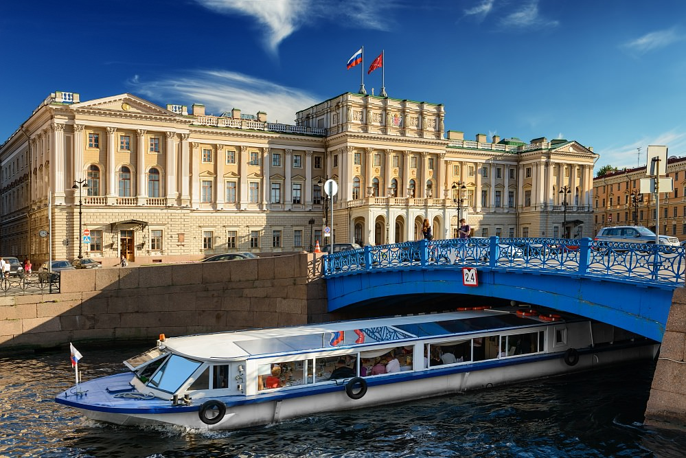 Boat Tour in St Petersburg